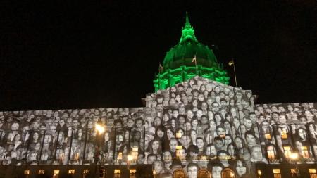 The Standing March présentée au City Hall de San Francisco